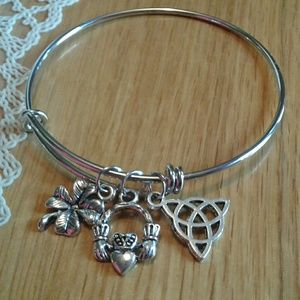 ☘Adjustable Bangle Irish Charm Bracelet